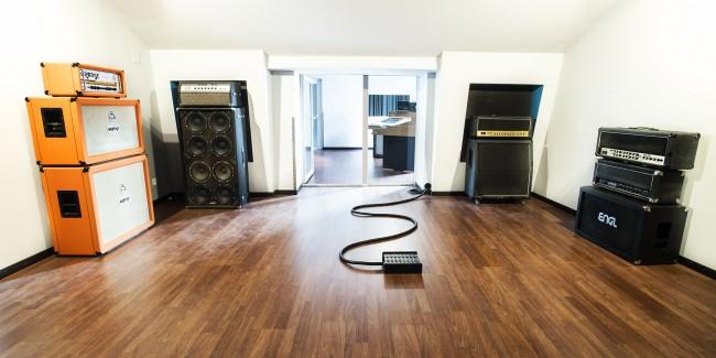 3083-Studio